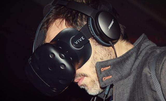muž ve VR