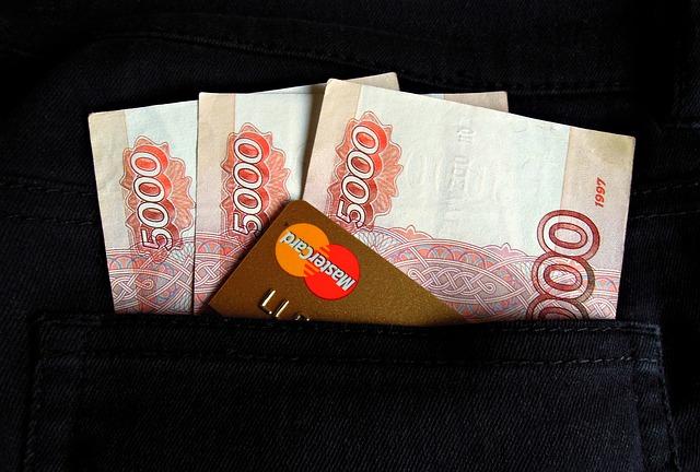 karta a peníze