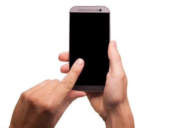 mobilný telefón.jpg